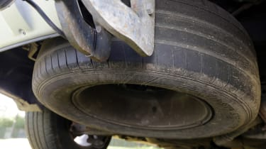 Used Kia Sorento - spare wheel