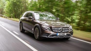 Mercedes E-Class All-Terrain - front tracking