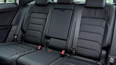 Volkswagen Tiguan R-Line 2016 - rear seats