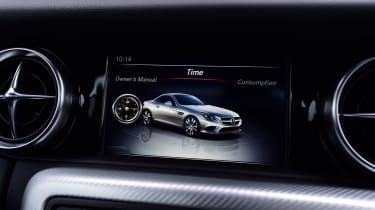 Mercedes SLC 180 - infotainment