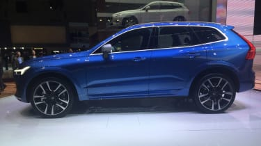 Volvo XC60 Geneva show - side static