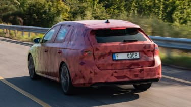 Skoda Octavia Estate prototype - rear tracking