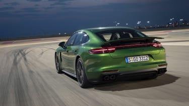 Porsche Panamera GTS - rear tracking
