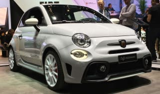 abarth 595 esseesse static front