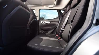nissan qashqai rear seats legroom