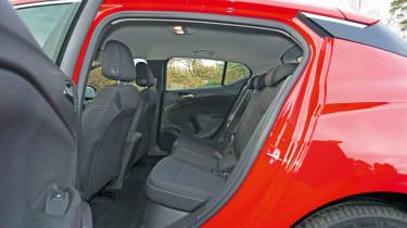 Vauxhall Astra BiTurbo 2016 - rear seats