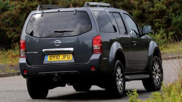 Nissan Pathfinder rear cornering