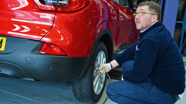 Renault Kadjar - long term tyre technician