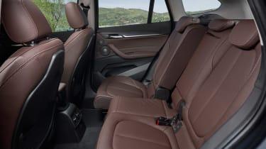 BMW X1 - seat forward