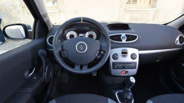 Renault Clio old vs new - Mk3 interior