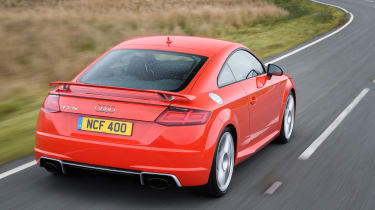 Audi TT RS 2016 - rear tracking