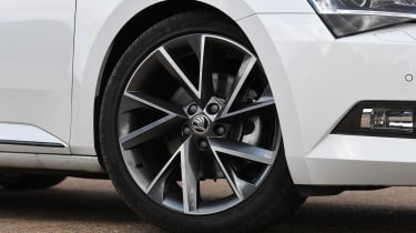 Skoda Superb - wheel