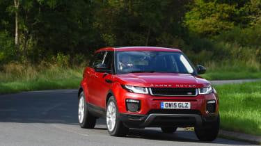 Range Rover Evoque SE Tech 2016 - cornering