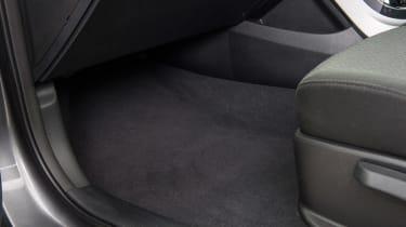 Used Hyundai i40 - footwell