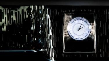 Rolls-Royce Phantom - The Gentleman's Tourer clock