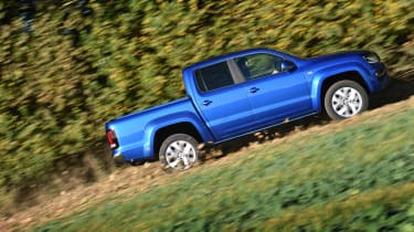 Volkswagen Amarok pick-up 2016 - offroad