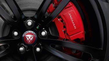 Jaguar XJR575 - brake calipers