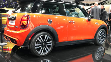 MINI hatch facelifted - show rear quarter