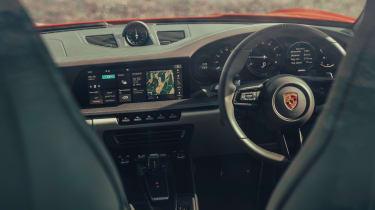 Porsche 911 Carrera S - interior
