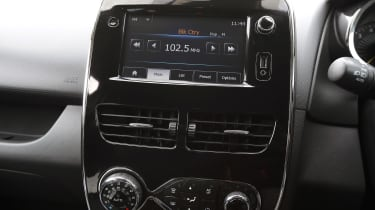 Used Renault Clio - centre console