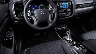 Mitsubishi Outlander PHEV - dash