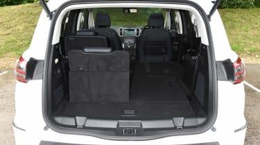 Hyundai i20 - interior driving