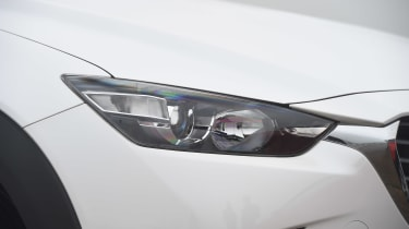 Mazda CX-3 - front light