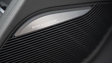 Audi R8 - speaker