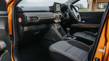 Dacia Sandero Stepway - front seats
