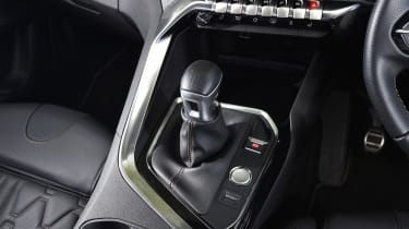 Peugeot 5008 long-term test - gear lever