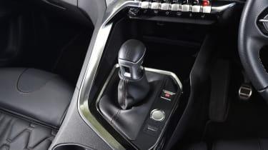 Peugeot 5008 long-term test - gear lever