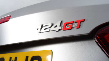 Abarth 124 GT - badge