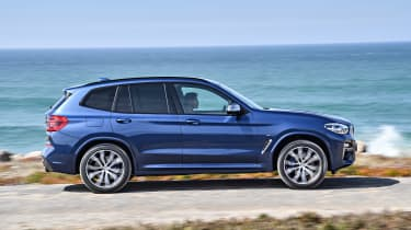 BMW X3 M40i - side action