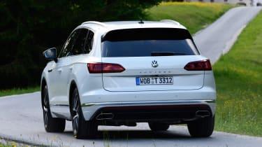 Volkswagen Touareg - rear cornering