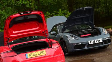 Porsche 718 Boxster vs Audi TTS Roadster -