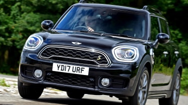 MINI Countryman S E - front action