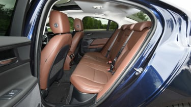 Jaguar XE 200PS - rear seats
