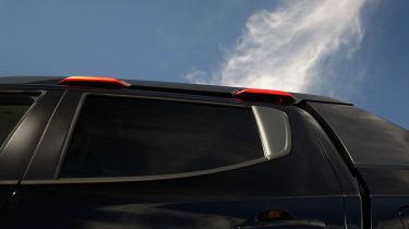 Mitsubishi Triton Absolute - roof rails