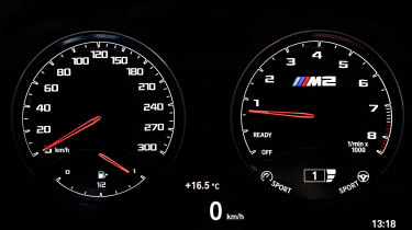 BMW M2 Competition - dials