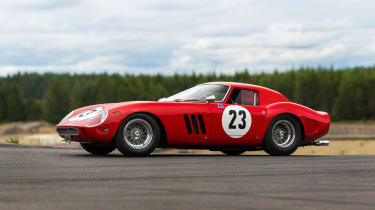 Ferrari 250 GTO - side profile (© RM Sotheby's)