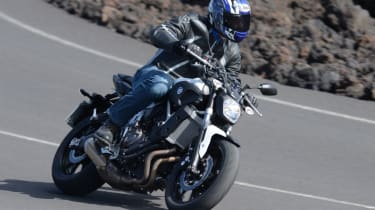 Yamaha MT-07 review - road dynamic
