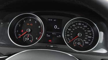 VW Golf dials