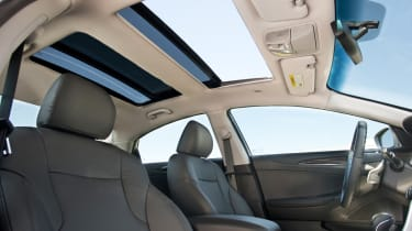 Hyundai Sonata Hybrid sunroof