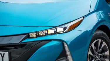 Toyota Prius Plug-in - front light
