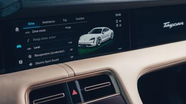 Porsche Taycan - screen