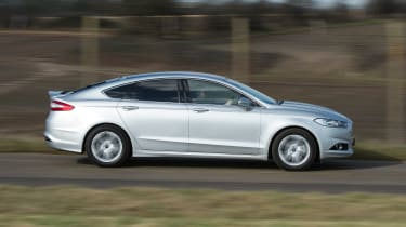 Ford Mondeo - side