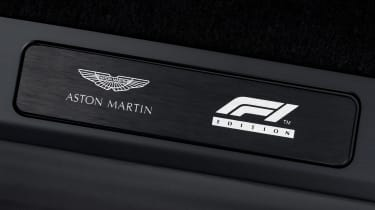 Aston Martin Vantage F1 Edition - badges