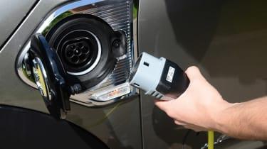 MINI Countryman S E plug-in hybrid - charger