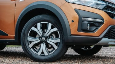 Dacia Sandero Stepway - wheel