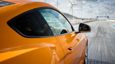 Ford Mustang V8 - rear profile